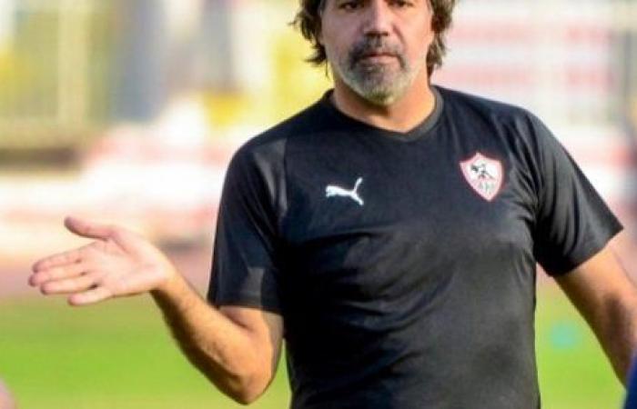 مدحت عبد الهادي يحفز اللاعبين قبل مواجهة الإسماعيلي