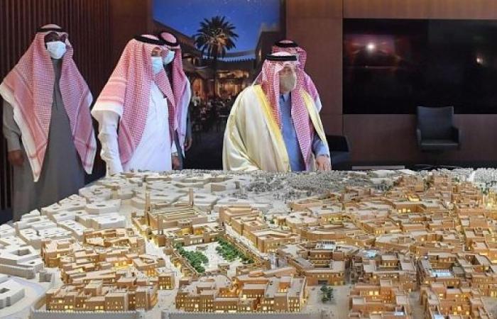 أمير الرياض يتابع مشروعات تطوير الدرعية