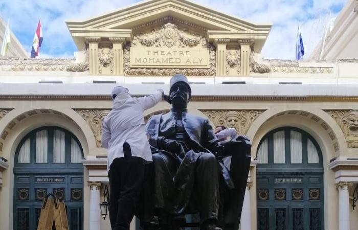 وزير السياحة والآثار يتابع حملة تنظيف وصيانة التماثيل بالميادين العامة