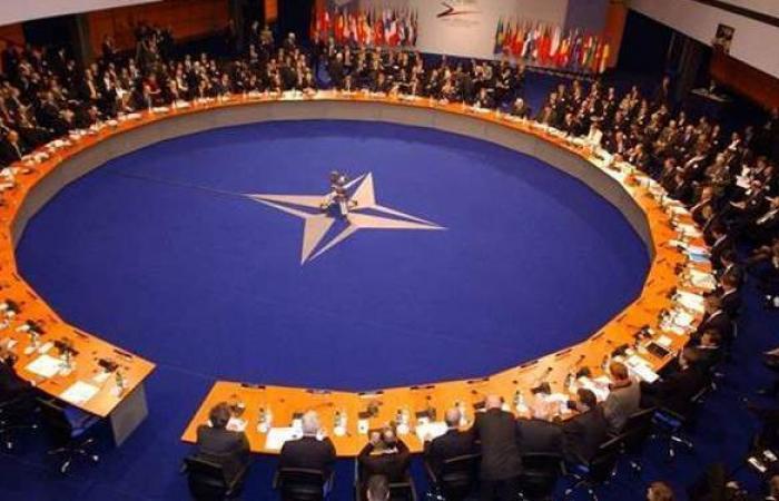 """""""الناتو"""" يهاجم حركة طالبان: غير موثوق بها"""