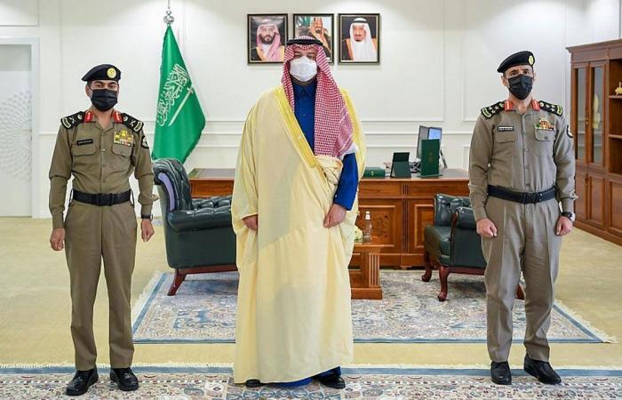 بالصور.. الأمير فيصل بن خالد بن سلطان يستقبل المدير الجديد لشرطة الحدود الشمالية