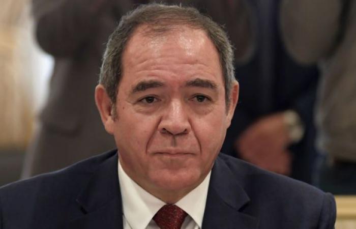 وزير خارجية الجزائر يجري مباحثات هاتفية مع المبعوث الأممي الجديد إلى ليبيا