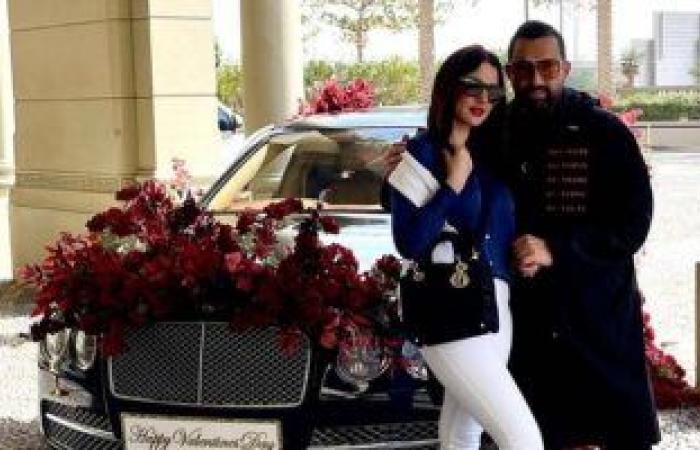درة توضح حقيقة شراء زوجها سيارة لها هدية فى عيد الحب