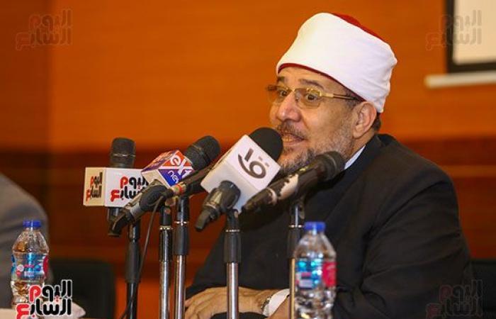 وزير الأوقاف يكرم أئمة وواعظات قافلة الأوقاف الدعوية بالسودان.. صور