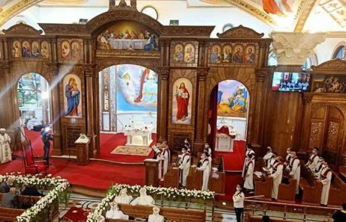 10 صور ترصد تدشين البابا تواضروس كنيسة العذراء مريم بالإسكندرية