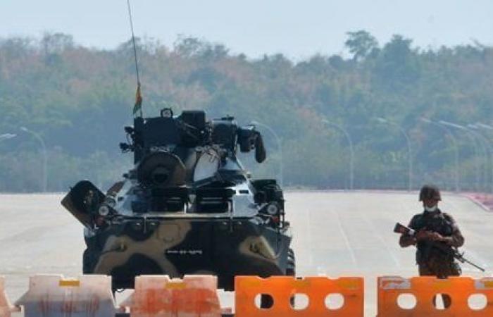 تحركات عسكرية وقطع اتصال.. تحذير عاجل من السفارة الأمريكية لمواطنيها في ميانمار