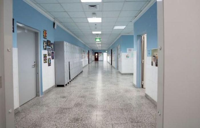 بسبب زيادة كورونا... الكويت توقف العمليات الجراحية غير الطارئة في المستشفيات العامة
