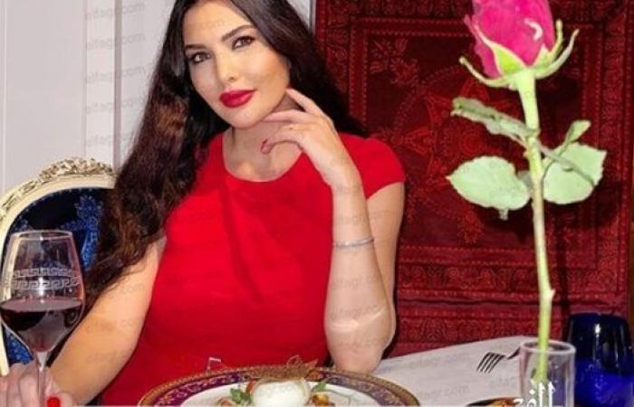 لاميتا فرنجية بفستان أحمر في عيد الحب