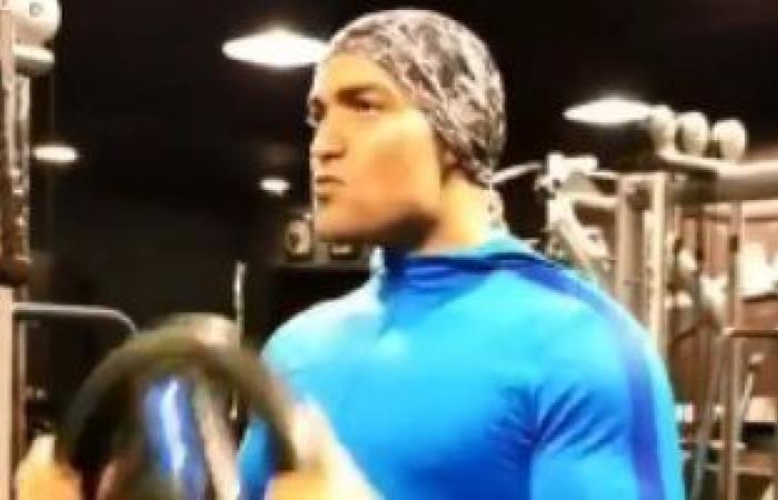 """باسل الزارو يستعد لدوره فى مسلسل """"الملك أحمس"""" بتدريبات مكثفة بالجيم.. فيديو"""