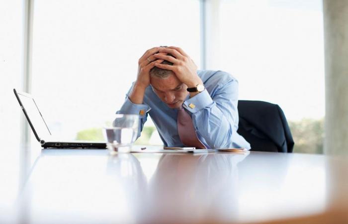 أستاذ صحة نفسية: الضغط النفسي يضخم القلب ويقود إلى الوفاة