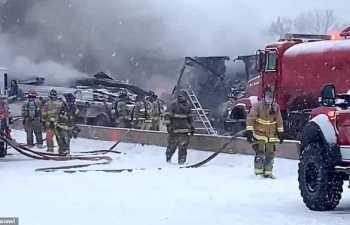 وقوع إصابات بحادث تصادم حافلات بأمريكا بسبب تغطية الثلوج للطرق