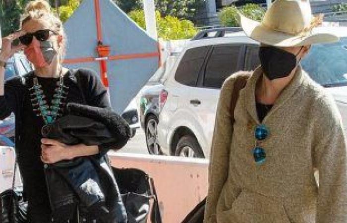 """آمبر هيرد تفضح علاقتها مع صديقتها """"بيانكا"""" من جديد فى احتفالهما بعيد الحب.. صور"""