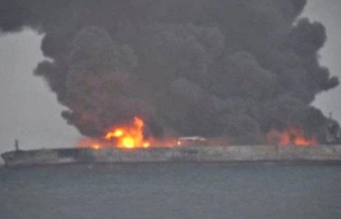 """وكالة: إيران تصف محاولة أمريكا الاستيلاء على شحنات النفط """"عمل قرصنة"""""""