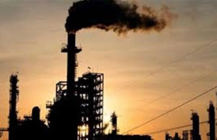 سوء الأحوال الجوية تدعم ارتفاعات اسعار النفط العالمية