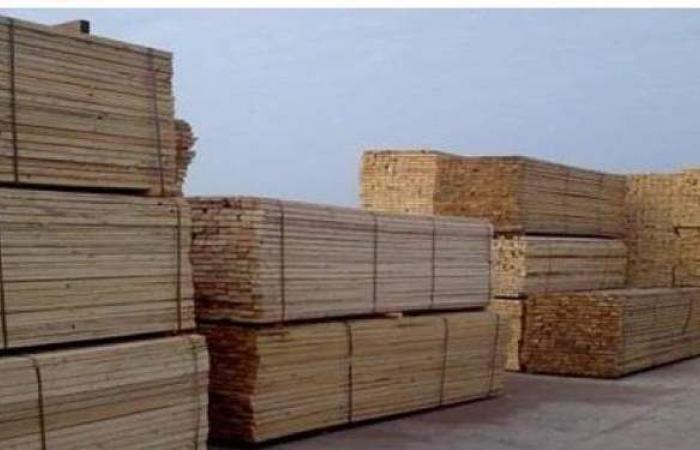 15 % تراجعا فى أسعار الأخشاب بالسوق