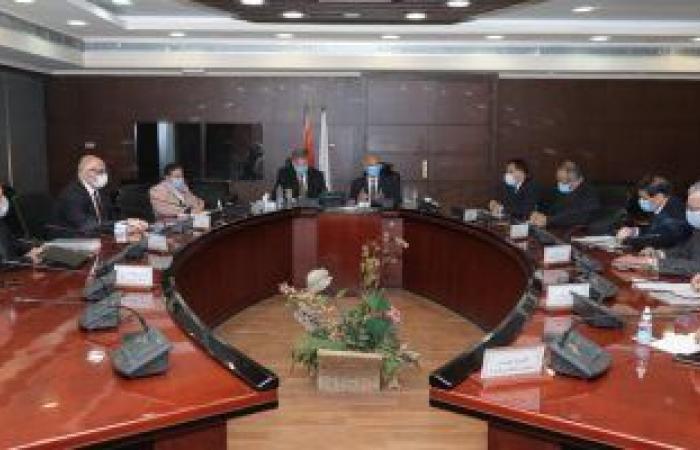 وزيرا النقل وقطاع الأعمال العام يبحثان خطوات إنشاء شركة لنقل البضائع بالقطارات