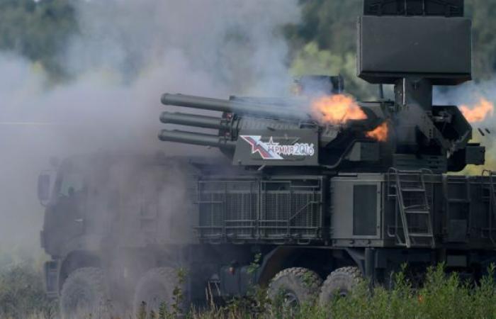 """الضحية لواءان مدرعان و20 طائرة... أنظمة """"بانتسير- إس"""" تمطر العدو بالنيران في سيبيريا.. فيديو"""