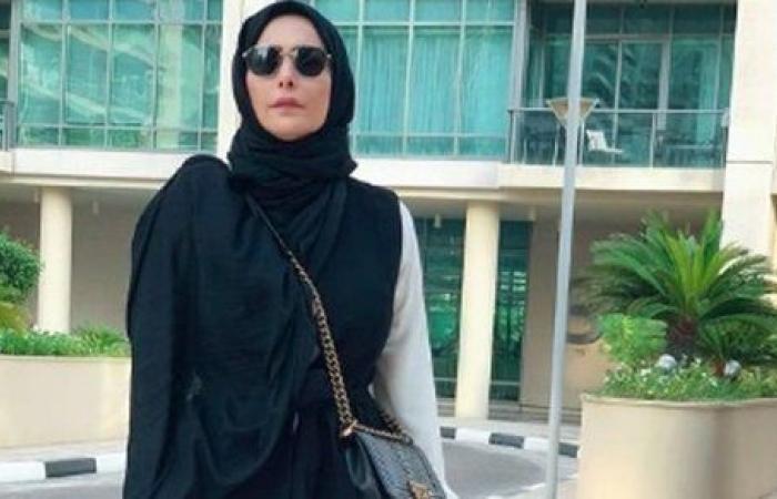 محتشمة وعلى الموضة.. 10 صور تكشف أناقة أمل حجازي في عيد ميلادها