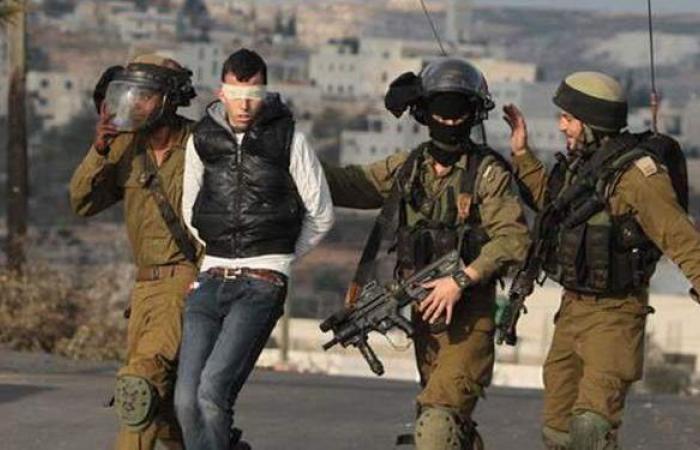 إسرائيل تعتقل 19 فلسطينيا بينهم قياديان في حماس