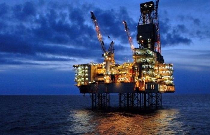 أسعار النفط تواصل القفز بنهاية التعاملات اليوم الإثنين
