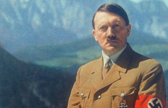 كيف تأثر «هتلر» بوالده.. 31 خطابًا يكشف العلاقة القوية بين الطرفين