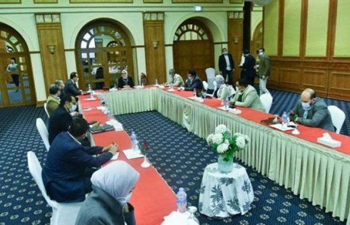 وزيرة الصحة تعقد اجتماعا لمتابعة تنفيذ المشروع القومي لتطوير قرى الريف