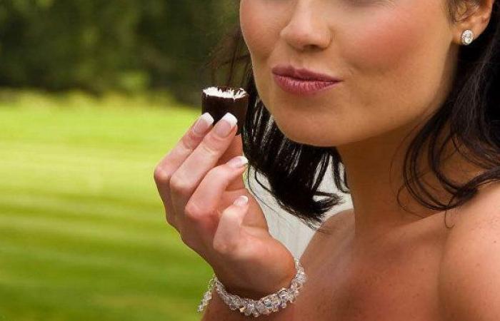خبيرة التغذية تكشف عن حشوة الشوكولاتة الأكثر فائدة