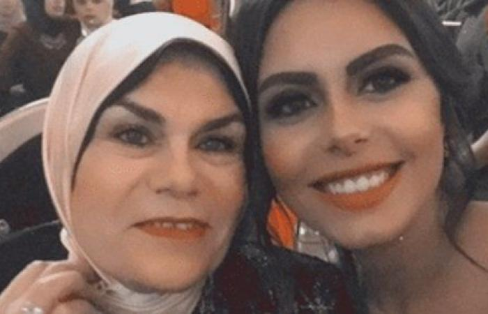 هاجر الشرنوبي تهنئ والدتها بعيد ميلادها: أنا من غيرك ولا حاجة