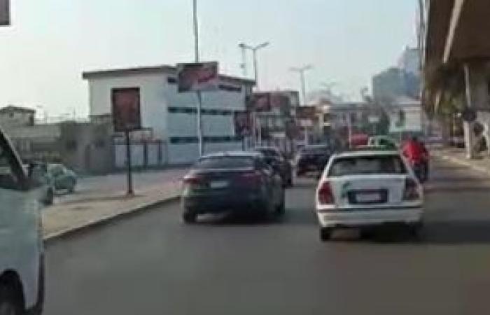 """تعرف على حركة السيارات بـ""""الكورنيش"""" من المؤسسة حتى التحرير..فيديو"""