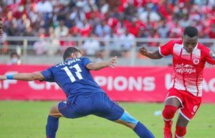 الأهلي يغادر ملعب مكابا بتنزانيا في بداية رحلة العودة للقاهرة