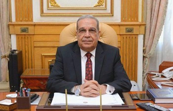 """وزير الإنتاج الحربي يعود إلى القاهرة بعد انتهاء زيارته لمعرض """"IDEX 2021"""" بأبو ظبى"""