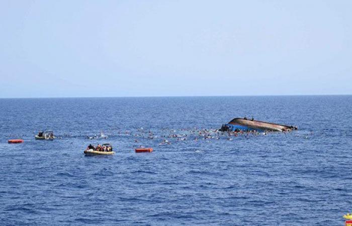 """""""حادث مفجع"""" غرق مركب بالإسكندرية يقل 19 شخصا من أسرة واحدة ووفاة 6"""