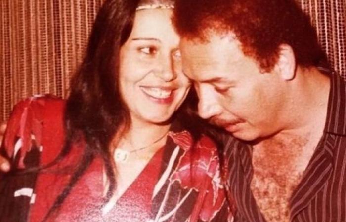 بصورة نادرة.. هنا شيحة تحتفل بذكرى يوم زواج والديها