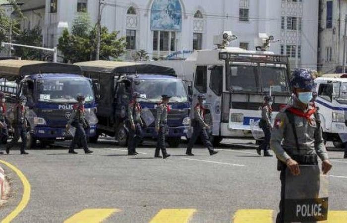 انقلابيو ميانمار يهددون بقتل المحتجين.. وواشنطن تتوعدهم