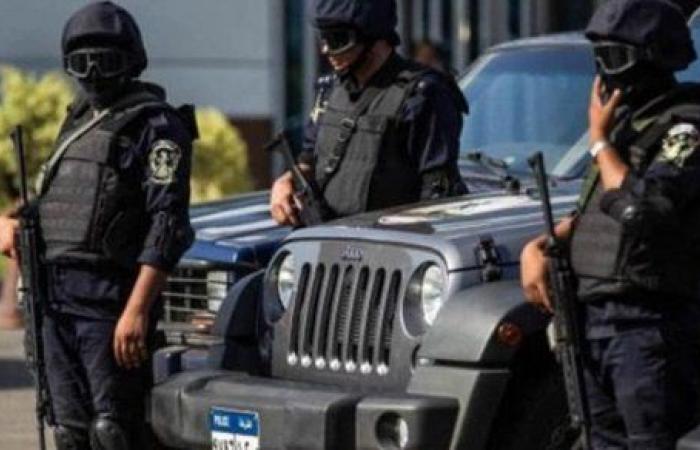 مباحث القاهرة تضبط 4 أشخاص بحوزتهم مخدرات وأسلحة نارية.. صور