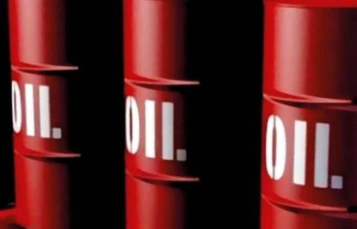 تراجع طفيف في أسعار النفط بنهاية التعاملات