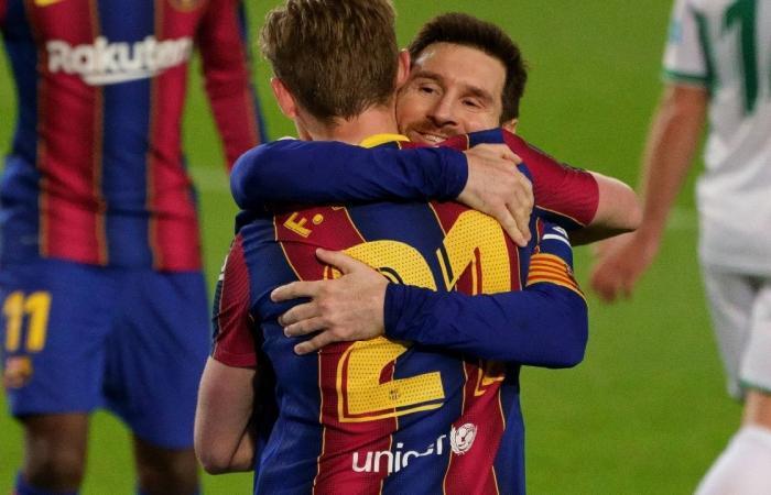 ميسي يقود برشلونة إلى الفوز على إلتشي بثلاثية