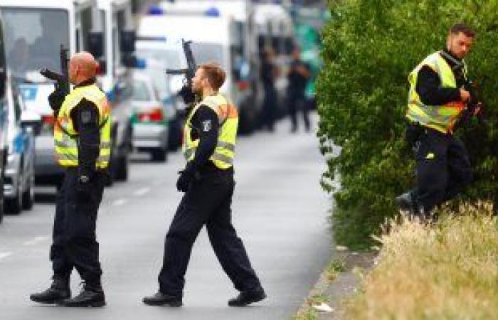 السلطات الألمانية تنفذ حملة مداهمات واسعة ضد المتطرفين لحظر جمعية تركية