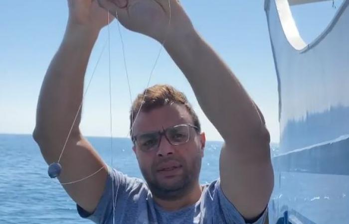 رامى صبرى يستعرض مهاراته خلال رحلة صيد بالعين السخنة .. فيديو