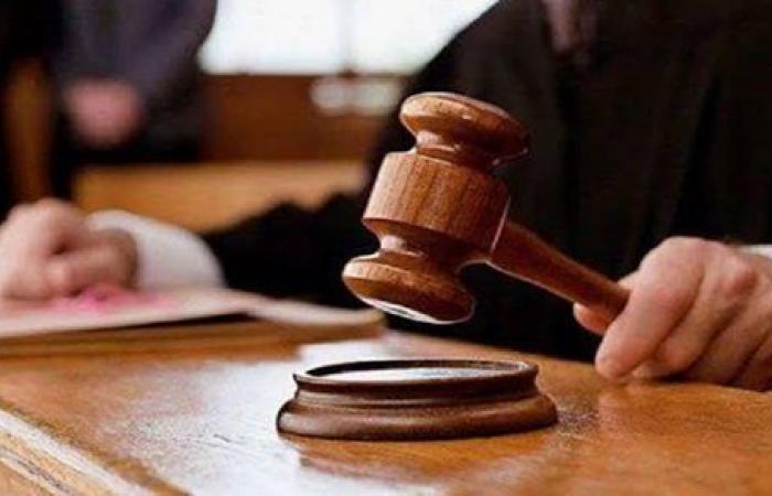 تأجيل محاكمة طبيب متهم بالتحرش بفتاة أثناء الكشف عليها إلى 30 مارس