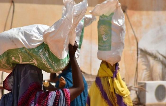 إغاثي الملك سلمان يستجيب للنداء الإنساني بمساعدة النازحين في دارفور