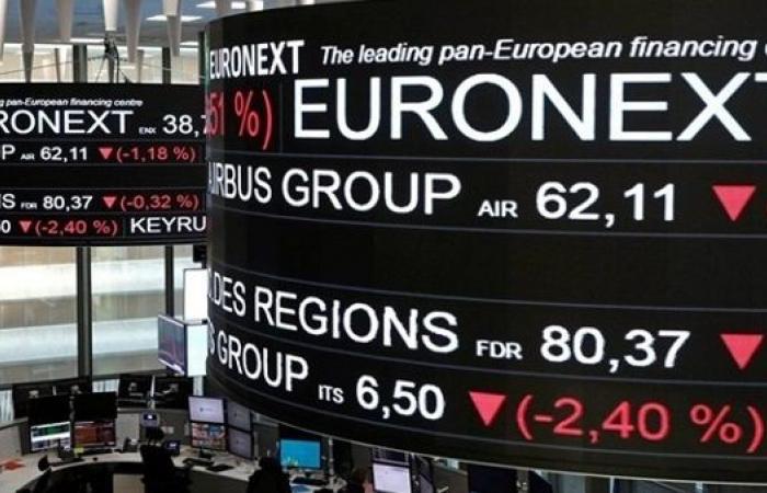 البورصات الأوروبية تسجل خسائر أسبوعية بالختام