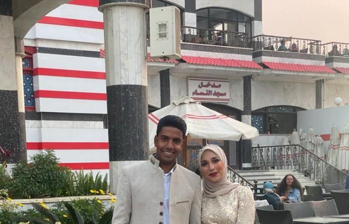 عروسان يحتفلان بخطوبتهما فى الزمالك.. صور