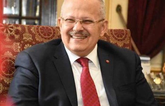 """رئيس جامعة القاهرة يهنئ """"فكيهة"""" لفوزها بجائزة """"كوامى ناكروما"""""""