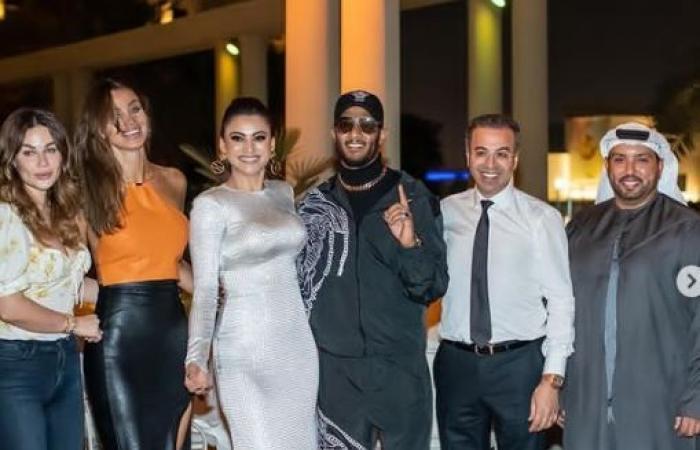 """محمد رمضان بصحبة نمر وعارضة أزياء لبنانية فى صور جديدة من كواليس """"Versace baby"""""""