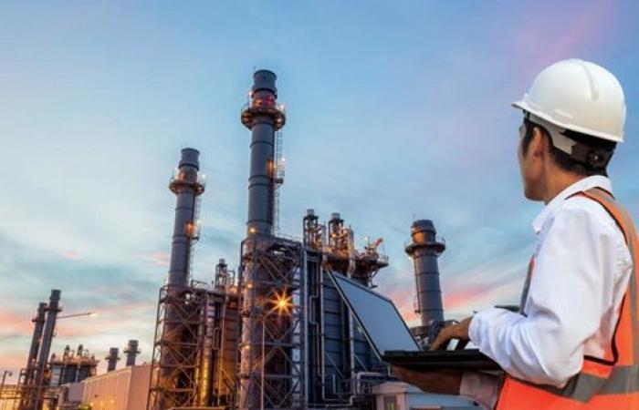 1.3 % انخفاض في أسعار النفط اليوم الجمعة 26 - 2- 2021