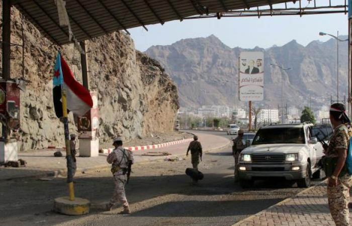 """الجيش اليمني يعلن السيطرة على جبل رحنق ومقتل 11 من """"أنصار الله"""" غربي تعز"""