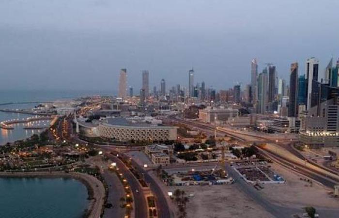 الكويت تمدد قرار منع دخول الأجانب للبلاد حتى إشعار آخر