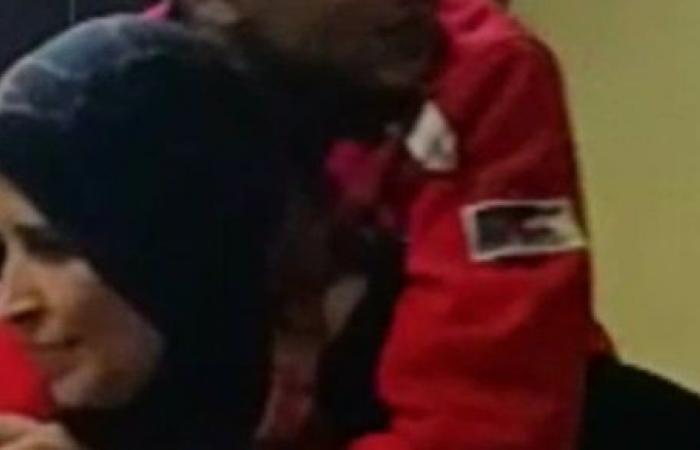 ابني مسعور بيعضني ويضربني.. مأساة أم تعرض ابنها لصدمة عصبية بعد حادث قطار بتر أطرافه ..فيديو