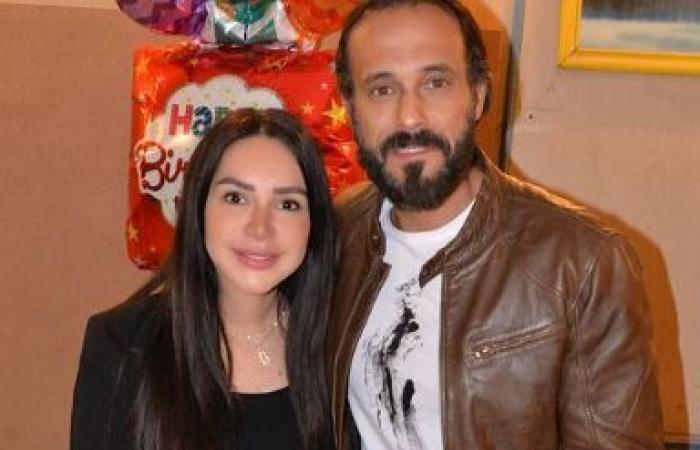 أسرة مسلسل كوفيد 25 تحتفل بعيد ميلاد إنجى علاء بحضور يوسف الشريف.. صور